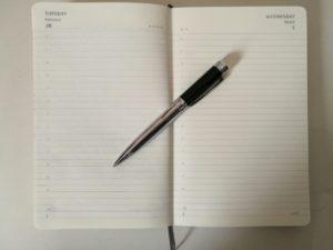 cuaderno listo para escribir ideas
