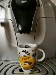 café a punto de servir