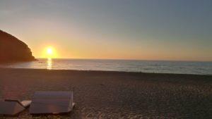 playa en el atardecer